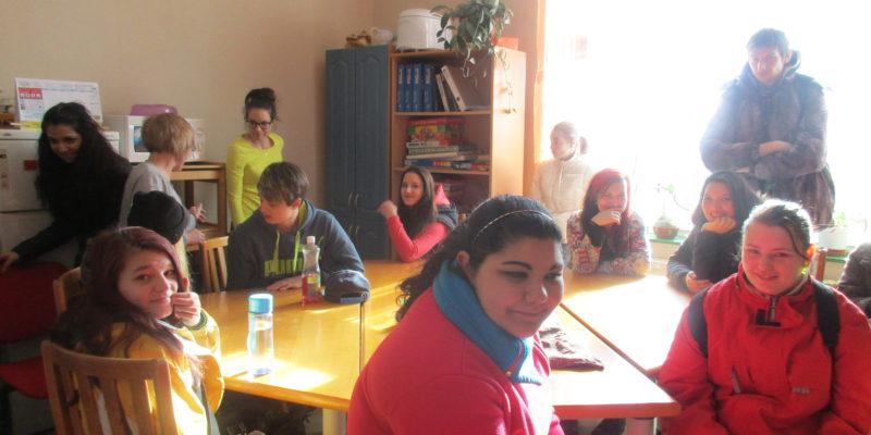 2016 – studenti na exkurzi v Denním centru (2)